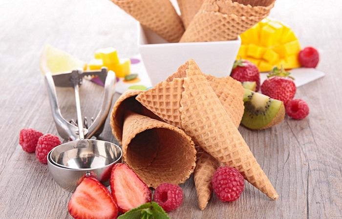 Coni gelato e frutta
